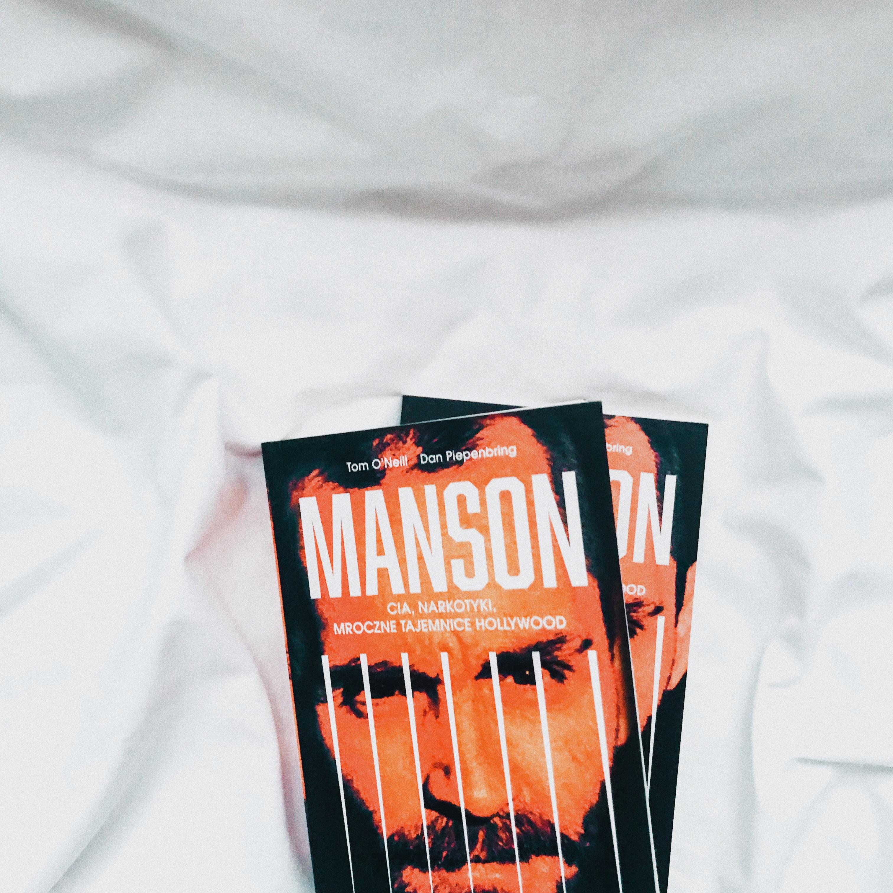 manson-cia-narkotyki-mroczne-tajemnice-hollywood-tom-oneil-dan-piepenbring